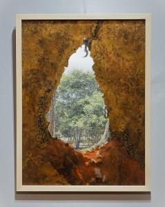 Raphaëlle Peria, Spelunca est templum#1, 2019. Encre, piment, dorure et grattage sur photographie. 60x45cm