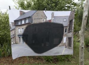 Mathilde Geldhof, Le Résidant - Le Bourg - 2021, 100 cm x 138 cm, impression sur tissu